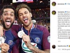 Dani Alves difende Neymar. Instagram/danialves
