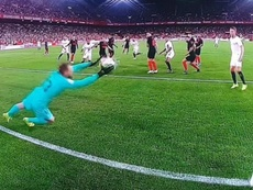 Oblak was not at his best for the Sevilla goal. Twitter/MovistarLaLiga