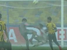 Le penalty n'aura pas pu être plus évident. Capture/ASTV