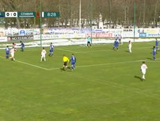 Slutsk e Slavia Mozyr jogaram com público pela Liga da Bielorrússia neste sábado. Captura/MAT4