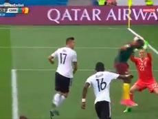 Ter Stegen desvió a gol un balón que parece que no iba ni a puerta. GOL