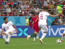 El VAR revisó la jugada y señaló el penalti. DIRECTVSports