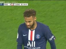 Neymar, sifflé par le Parc des Princes à sa sortie. ESPN