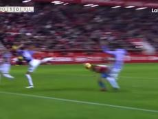 Scepovic llevó la locura a El Molinón a los pocos minutos de empezar el partido. LaLigaTV