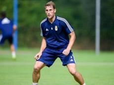 Carlos Hernández (d) es importante en el Oviedo. Twitter/RealOviedo