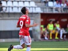 El Real Murcia recupera terreno a costa del colista. RealMurcia