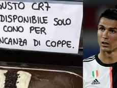 Risas a costa de Cristiano Ronaldo. IlMattino/AFP