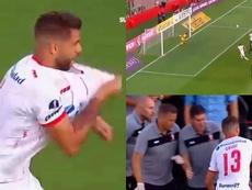 La noche de Grimi: marcó, se le salió el hombro y jugó hasta el final. Twitter/Sudamericana