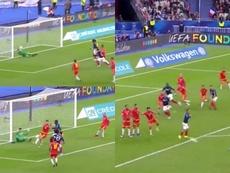 La picardía de Fekir facilitó el gol de Ben Yedder. Captura/TF1