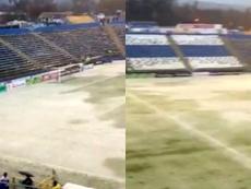 El partido se aplazó por culpa de la lluvia y de la nieve. Captura