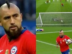 Vidal recoloca o Chile no jogo de pênalti. Captura/DAZN