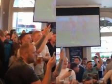 Los hinchas del Leicester contra Maguire. Collage/FootyFooligans