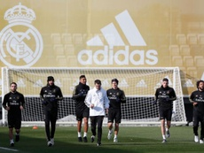 Carvajal et Valverde de retour à l'entraînement en vue du derby. Twitter/RealMadridCF