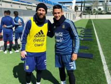 Cristian Ojeda se hizo una foto con Messi en el entrenamiento de Argentina. Instagram