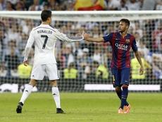 Cristiano e Neymar brincaram sobre a possibilidade de jogarem juntos. Twitter