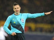 Los árbitros dejarán de vestir Adidas en Europa. UEFA
