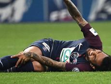 La lesión de Alves es menos grave de lo que parecía. AFP