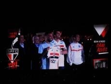 Alves recibió las felicitaciones de sus amigos en Europa. Captura/SaoPaulo
