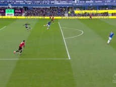De Gea sbaglia il rinvio e regala il goal a Calvert-Lewin. DAZN