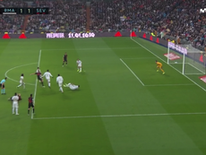 De Jong scored against for Sevilla and this time it counted. Captura/Movistar+