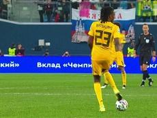 Boyata jugó tras el descanso... ¡con la camiseta de Batshuayi! Captura/LaUne