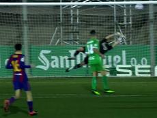 Dembélé se desquitó del penalti y superó a Ramón para el 0-1. Captura/DAZN