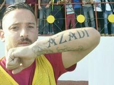 Deniz Naki, futbolista del Amedspor, lleva tatutada la palabra 'Azadi', que significa libertad en kurdo. Twitter