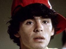Diego Armando Maradona com 19 anos . MasahideTomikoshi