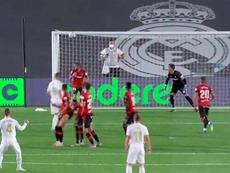 Ramos gave Real Madrid a two goal cushion with a superb free-kick. Captura/MovistarFutbol