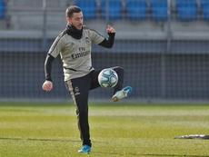 Hazard a retouché le ballon et vise le derby. Twitter/RealMadrid