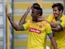 Edson Farias, atualmente no Feirense, pode ser castigado pela agressão a Gamboa. Twitter