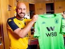 Pepe Reina s'engage avec l'Aston Villa. AstonVilla