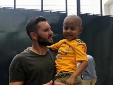 El precioso detalle de Gignac con un niño con cáncer. TigresUANL