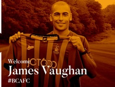 El Bradford hizo oficial la incorporación de James Vaughan. Twitter/officialbantams