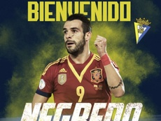 Negredo has signed for Cádiz. CádizCF