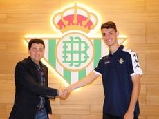 Raúl prolonga su contrato hasta 2024. Twitter/RBetisCantera