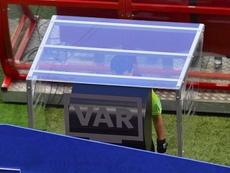 Cunha fue el primero en usar el VAR en un Mundial. Captura