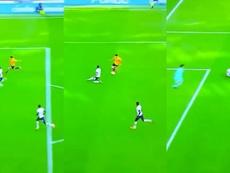 Raul Jimenez scored a great goal at Tottenham. Captura/SkySports