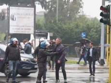 La Police empêche Mihajlovic de se battre. RaiNews