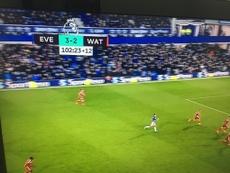 El Everton-Watford vio cómo se añadían 12 minutos de tiempo extra. Twitter