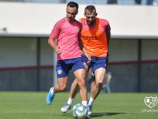 Álvaro regresó a los entrenamientos tras tres jornadas de baja. Twitter/RayoVallecano