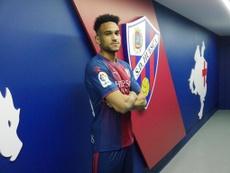 El Mónaco prorroga la cesión de Mboula hasta el 5 de agosto. Twitter/SDHuesca