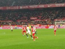 Vallejo jugó sus primeros minutos como jugador del Granada. Twitter/CrctrBlaugrana