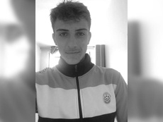 Tours teenage midfielder dies. ToursFC