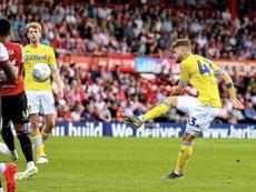 El Leeds logró la victoria con dos goles en los últimos seis minutos. Twitter/LUFC