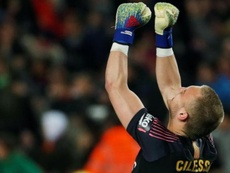 Cillessen is on Roma's and Valencia's radar. EFE