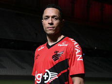 Adriano ya es de Athletico Paranaense. AthleticoPR