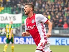 Huntelaar marcó con asistencia de Ziyech. Twitter/AFCAjax