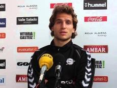 El jugador del Alavés, Jagoba Beobide, en una rueda de prensa. DeportivoAlaves