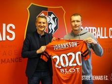 El jugador se vincula al club para los dos próximos años. StadeRennais